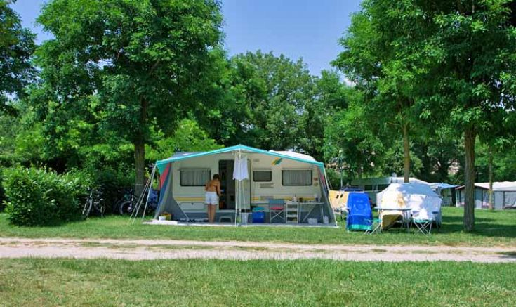 Camping parco delle piscine sarteano siena toskana for Camping parco delle piscine